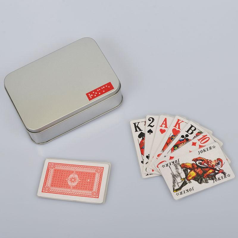 Ein Bild von dem Kartenspiel  französisches sehbehinderten Rommé mit Brailleschrift
